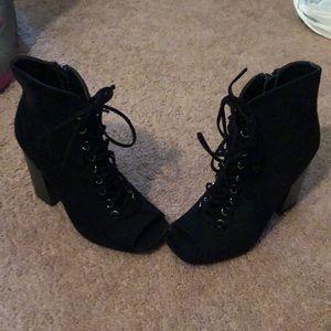 Wild Diva Platform Heels Size 6